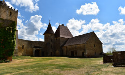 Le château de Biron en Dordogne.